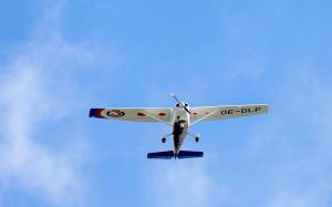 Cessna im Flug Alpeneinweisung